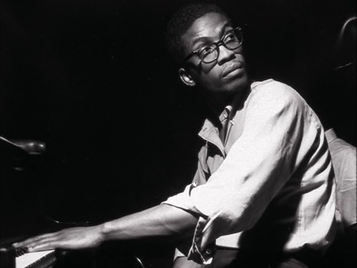 a biography of herbie hancock an american pianist Herbie hancock american pianist, keyboardist, bandleader and composer herbie hancock is a true icon of modern music throughout his explorations, he has transcended limitations and genres while maintaining his unmistakable voice.