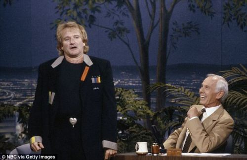 Robin Williams first appearance with Johnny Carson_The Tonight Show