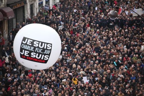 massive-crowds-gather-at-paris-unity-rally-to-honor-charlie-hebdo-victims-body-image-