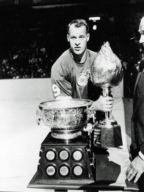 Gordie Howe _Hart Trophy MVP 1952