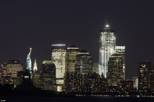 statue-of-liberty-_one-world-trade-center